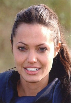 Angelina Jolie With Out Make Up 12