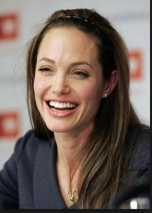 Angelina Jolie With Out Make Up 3