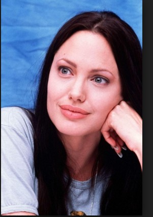Angelina Jolie With Out Make Up 5