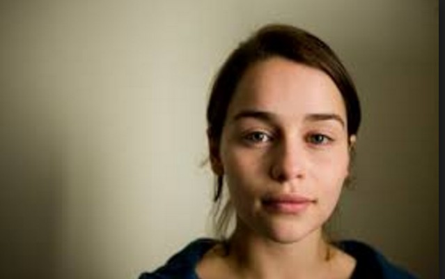 Emilia clarke with out make up