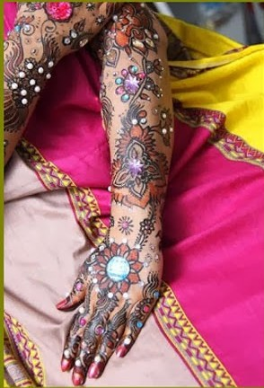 colored mehndi for theme party