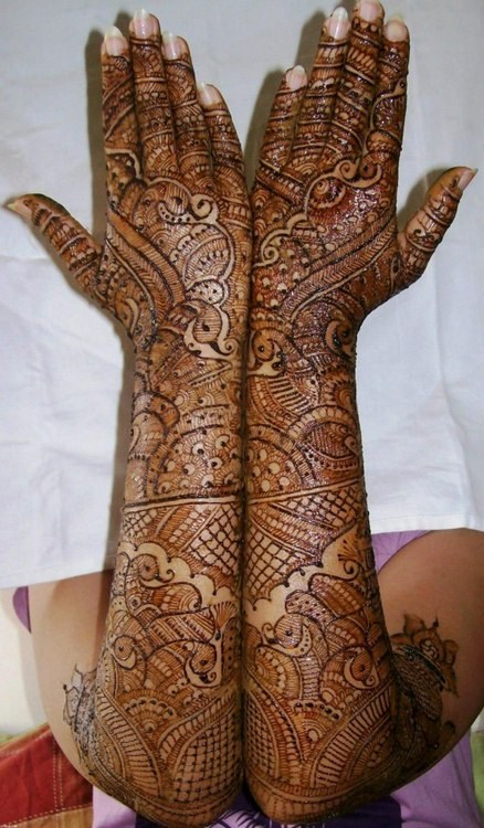 Indian Bridal Mehndi Designs For Hands: Top 50 Bridal Mehndi Designs for Full Hands Front and Back (step by rh:simplylivingtips.com,Design