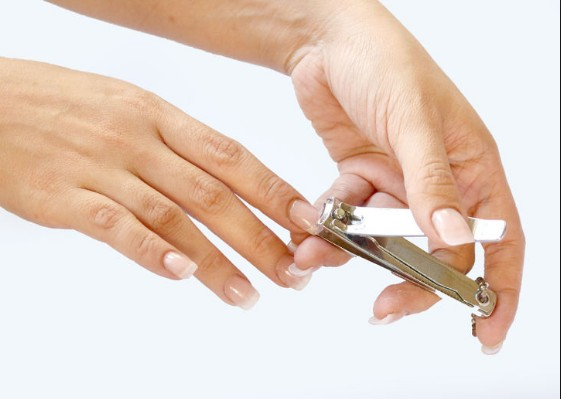 steps to remove acrlic nails