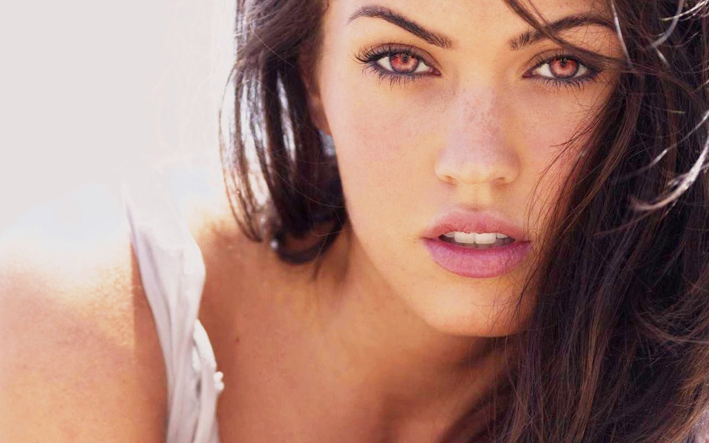 megan fox most beautiful eye in the world