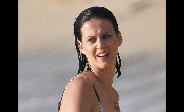 katy perry enjoying bath