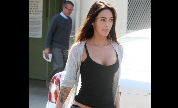 Megan Fox Without Makeup going for shoot